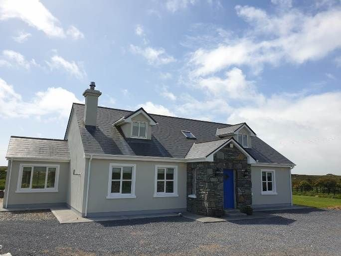 Hillside House - Set in a quiet & idyllic spot along the famous Bog Road to Roun, holiday rental in Maum