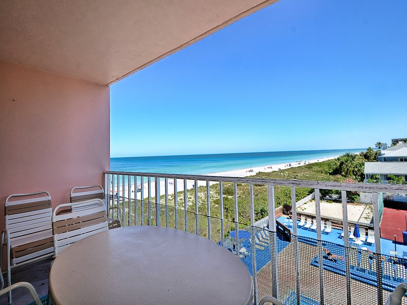 Come enjoy the stunning view of Indian Rocks Beach.