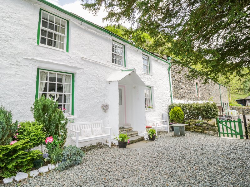 SHEPHERD'S COTTAGE, open-fire, lake views, near Keswick, location de vacances à Seatoller