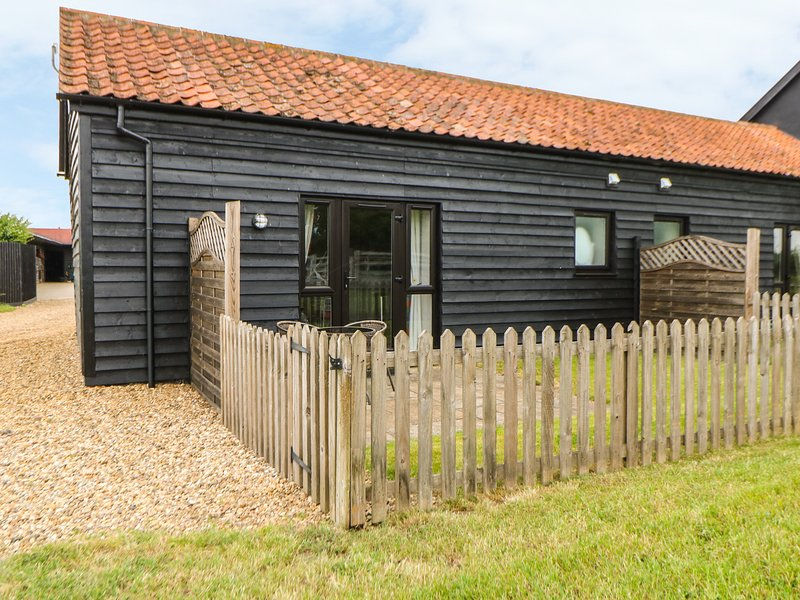 SNOWY OWL BARN, all ground floor, rural location, cosy cottage near Dereham, location de vacances à Ovington