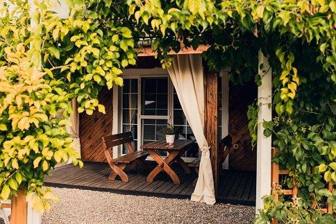 House with swimming pool, location de vacances à Parchowo