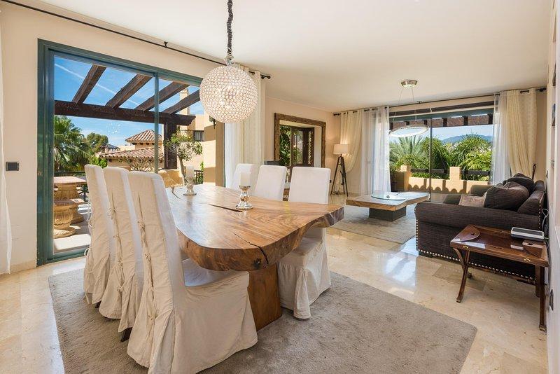 Fuentesanta - Lux. Beach Penthouse in Estepona, holiday rental in El Paraiso