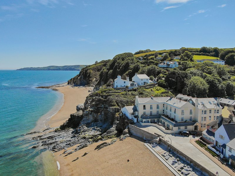 4 At The Beach - A beautiful dog friendly retreat by the sea, casa vacanza a Slapton