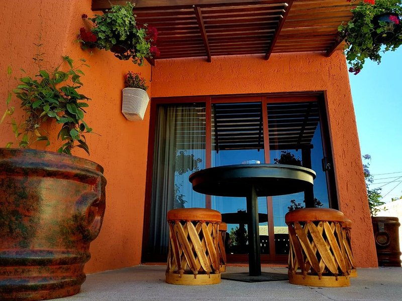 Private and comfortable space ideal for couples, holiday rental in El Zacatal