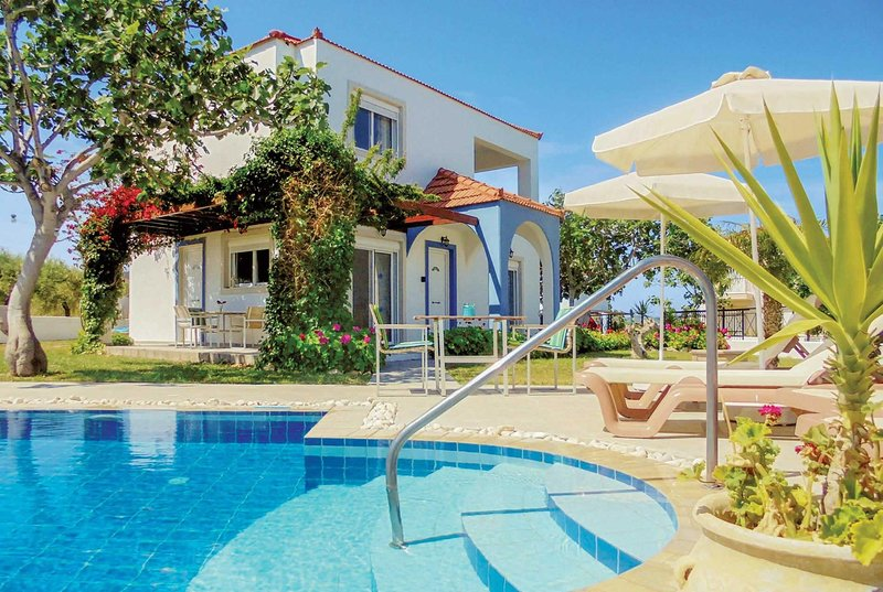Traditional villa setting, great for relaxation, holiday rental in Fanes
