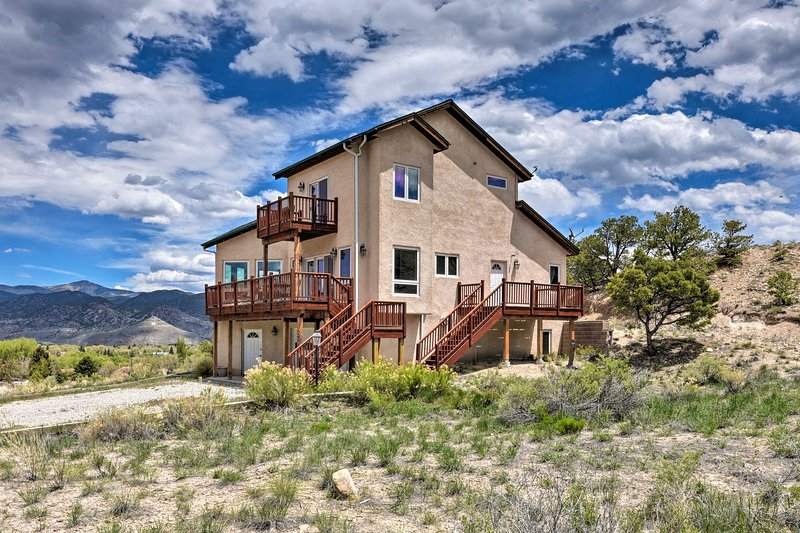 Large Salida Home w/ Mtn Views - 2 Mi to Downtown!, holiday rental in Villa Grove
