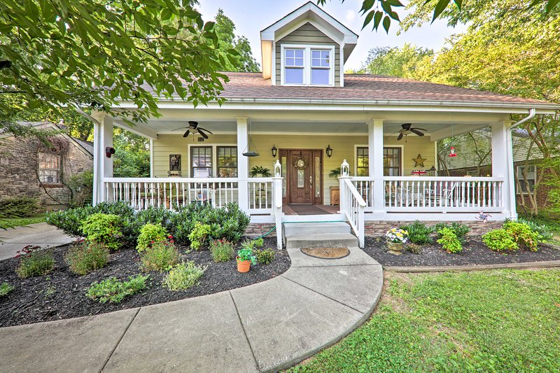House in Franklin - Walk to Main St & Museums, holiday rental in Spring Hill