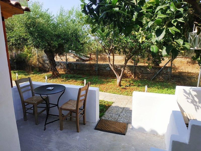 George's Houses economy studio, holiday rental in Agios Nikolaos