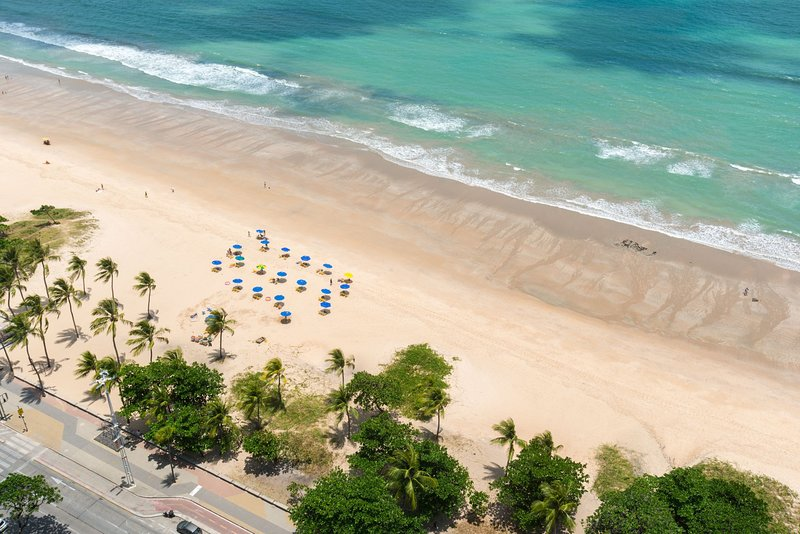 RAD2704 Excelente Flat Beira Mar da praia de Boa Viagem, no Radisson Hotel, o me, holiday rental in Olinda