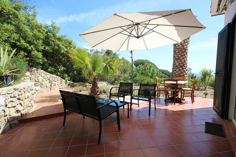 A louer appartement pour 2 adultes et 2 enfants calme, vue mer plage 10 mn, alquiler de vacaciones en Isla de Elba