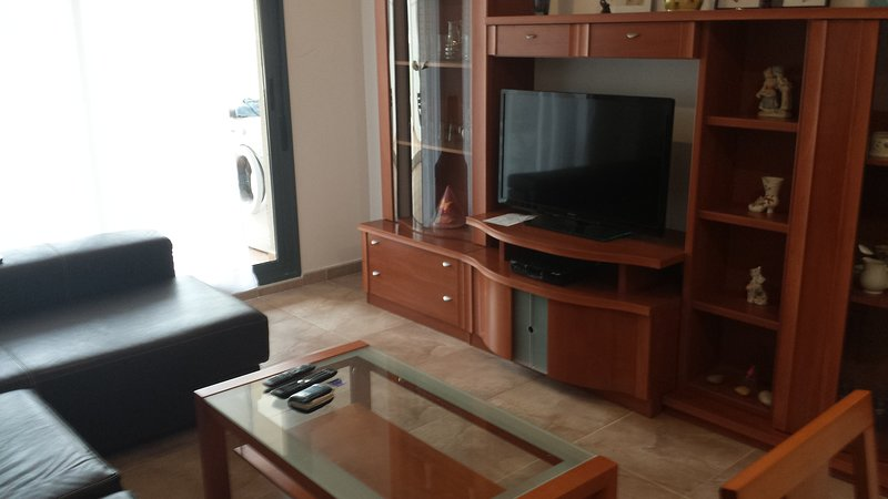 Nice apartment with shared pool, holiday rental in Sant Jordi