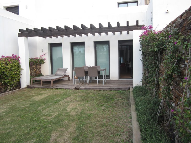 Adosado Mojacar con vistas al mar y jardin., vacation rental in Mojacar