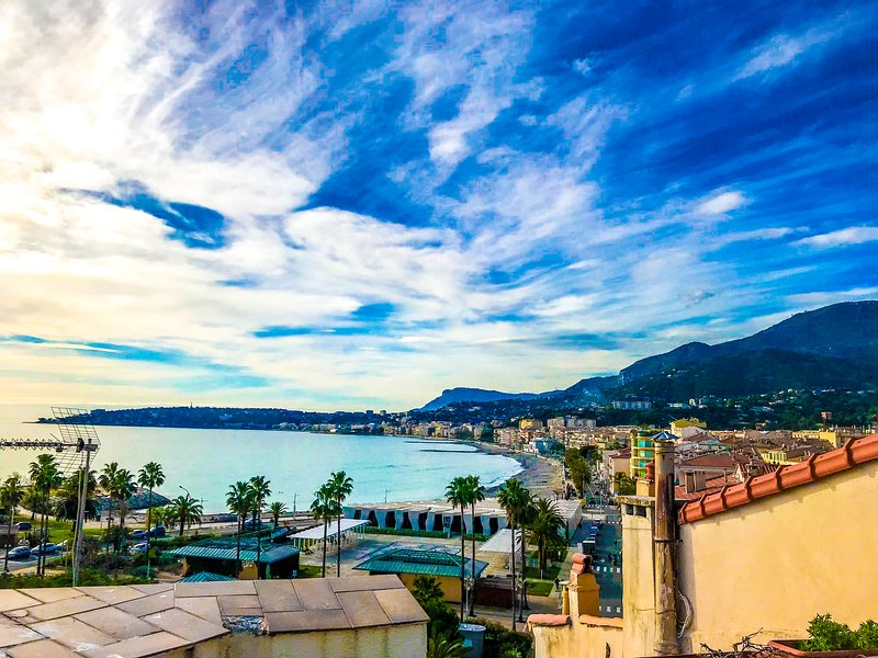 Charming Old Town Loft with Rooftop Terrace, 100m to Beaches, vacation rental in Monaco-Ville