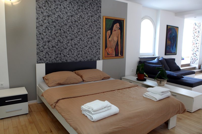 Guesthouse Apartment with Balcony OKI6, casa vacanza a Vrhnika