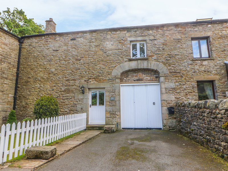 CLOVER COTTAGE, family-friendly, juliet balcony, exposed beams, Ref 972831, holiday rental in Kirkby Stephen