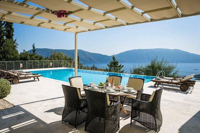 Aloni Villa, Fiskardo, Kefalonia, holiday rental in Platrithias