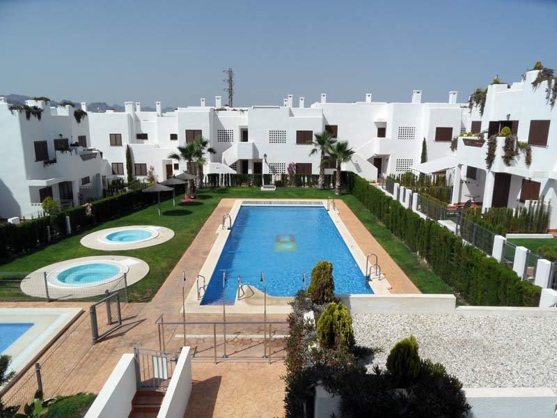 Mar de Pulpi 121 - Luxury apartment only 2 mins walk to the beach. WIFI/AIRCO, holiday rental in El Pozo del Esparto