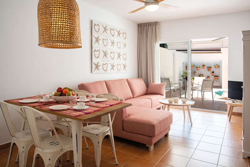 Can Serol 1 apartamento vacacional de 4 plazas en centro Capdepera 2 dormitorios, location de vacances à Capdepera