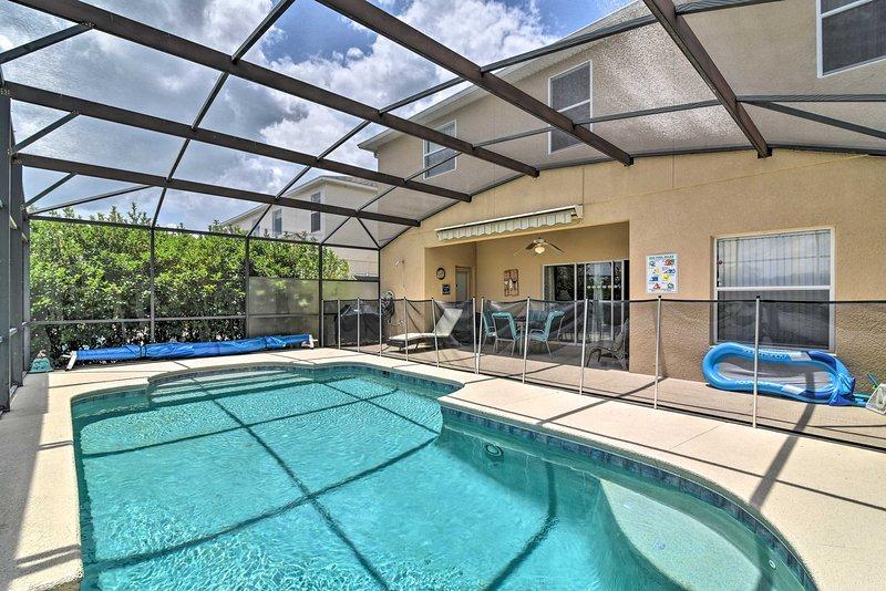 Aventura espera por esta casa de férias de 4 quartos, 3 banho em Davenport.