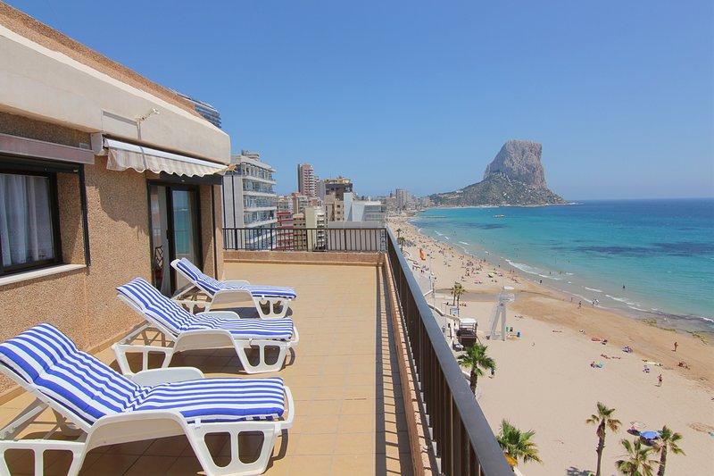 ACARIBEP-1ºlínea Playa-Wifi y Garaje Gratis., holiday rental in Calpe