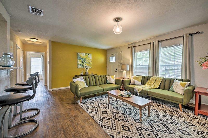 San Antonio House ~ 3 Miles to Brackenridge Park!, casa vacanza a Alamo Heights