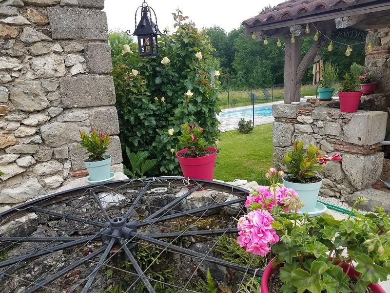 Gîte Nature et Bonheur *Promotion moins de Juin*, aluguéis de temporada em Sainte-Colombe-de-Villeneuve