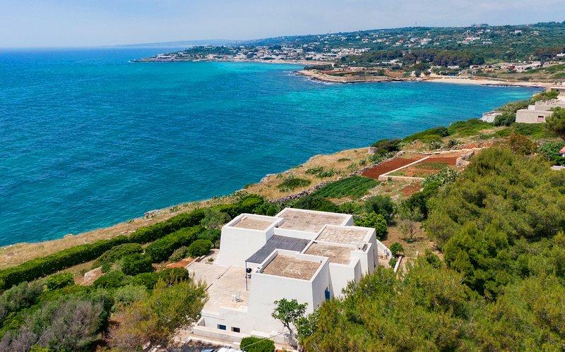 Villa Finestre sul Mare I, holiday rental in Patu