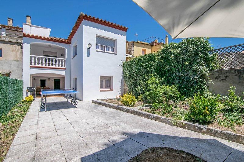 Can Discovering Maçanet de Cabrenhys, holiday rental in Terrades