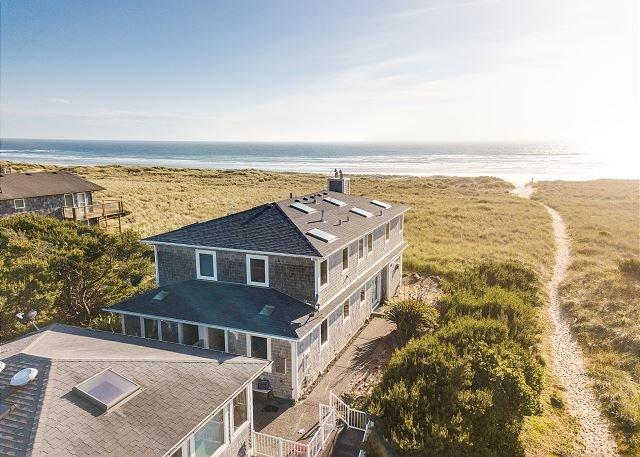 ARIA 2 ~ MCA 1376 ~ Stunning oceanfront duplex with sensational ocean views., location de vacances à Wheeler