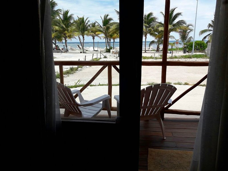 Suite Cuádruple en Palmeras de Mahahual Cabañas, holiday rental in Mahahual