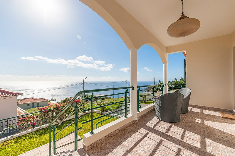 Jardim Pelado Villa Sleeps 7 with Pool - 5803589, holiday rental in Estreito da Calheta