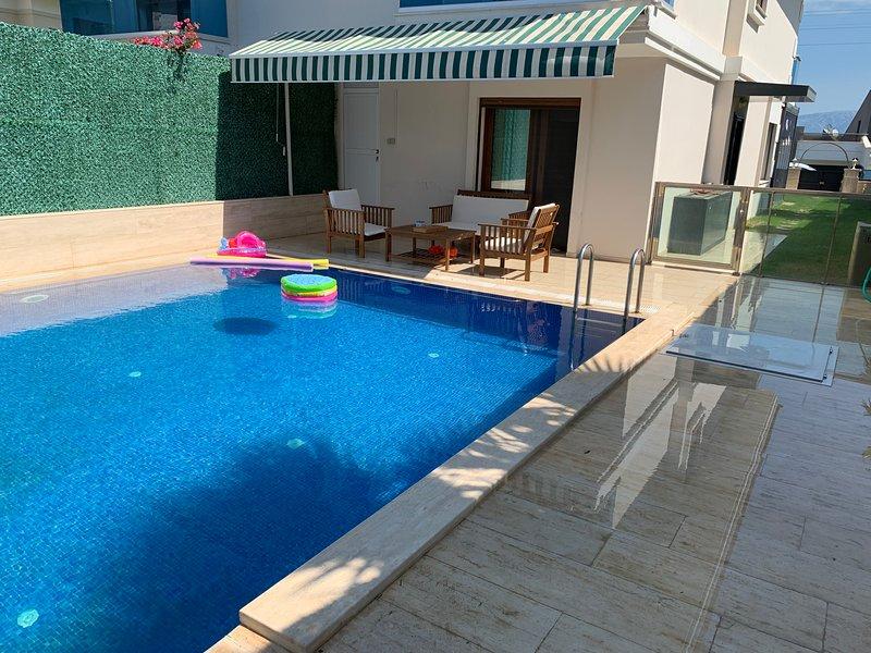 Location villa private swimmingpool, holiday rental in Cesme