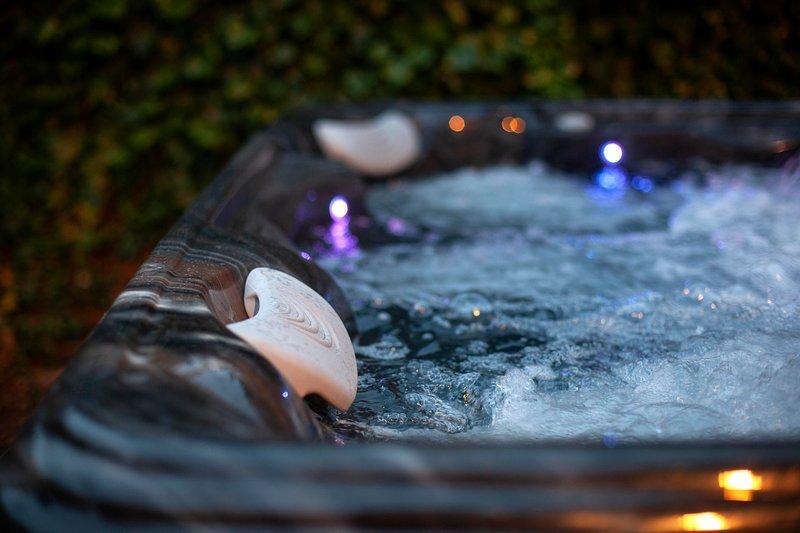 Vasca idromassaggio di lusso per 6-7 persone