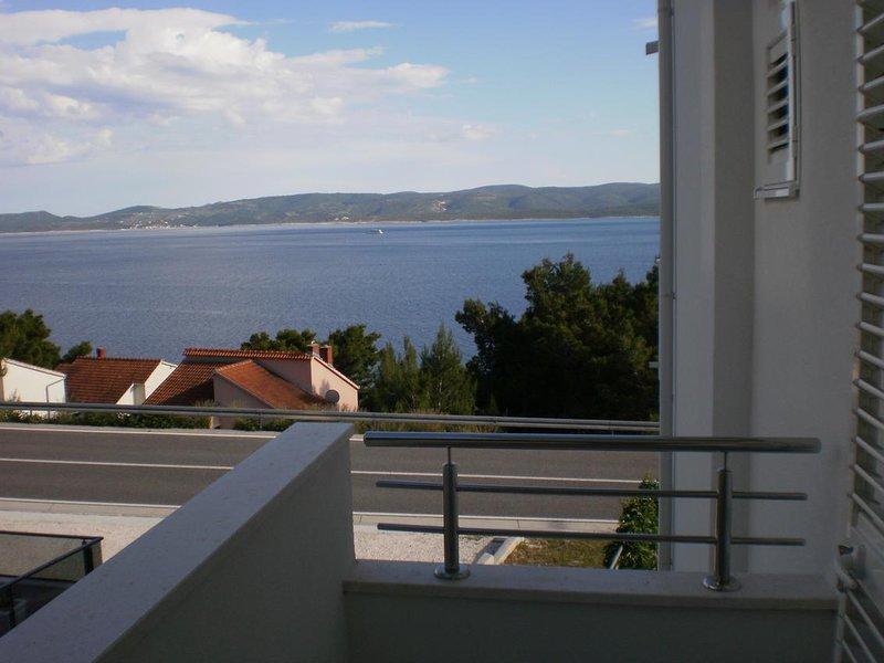 Medici Apartment Sleeps 2 with Air Con - 5806080, vacation rental in Medici