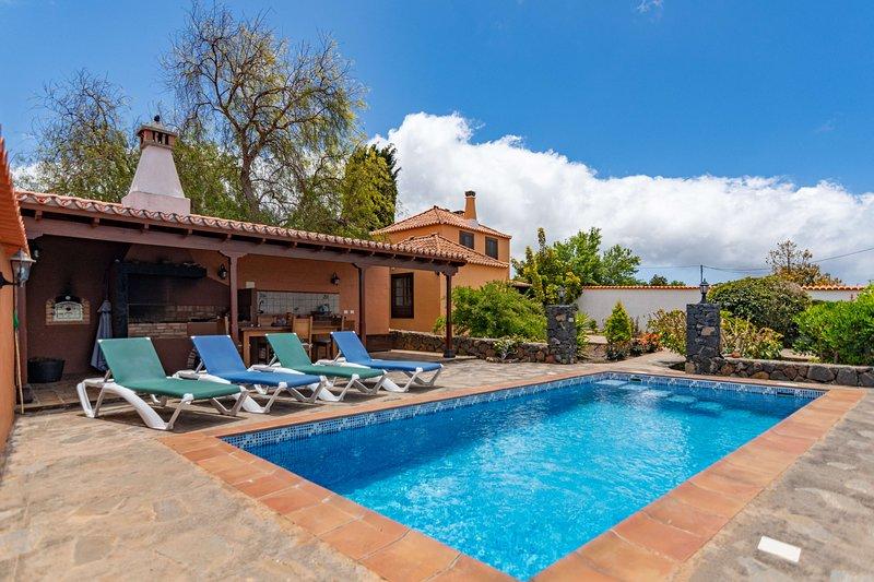 Holiday cottage with private pool in Punta Gorda, alquiler vacacional en Puntagorda