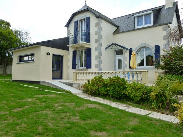 Spacious house with garden & Wifi, vacation rental in Saint-Jean-du-Doigt