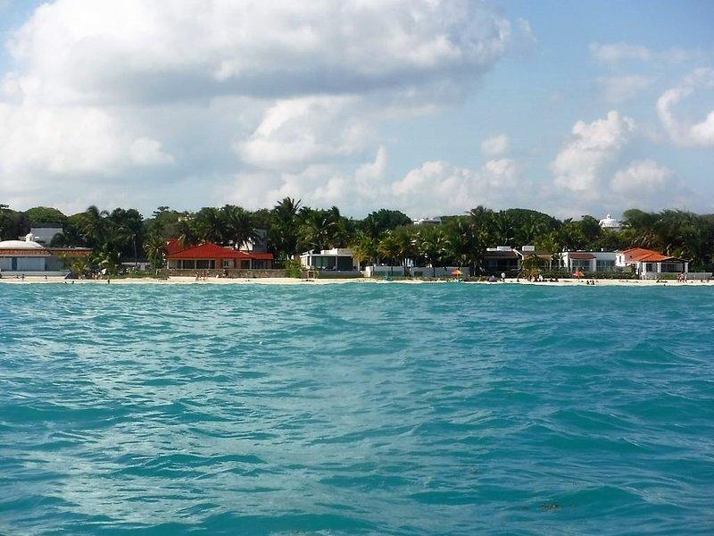 La spiaggia di Playacar è a 5 minuti a piedi da Casa Vela
