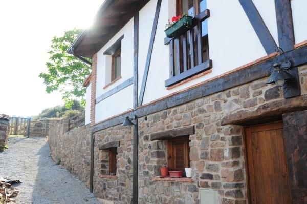 Casa Rural El Nogal, holiday rental in Pradillo