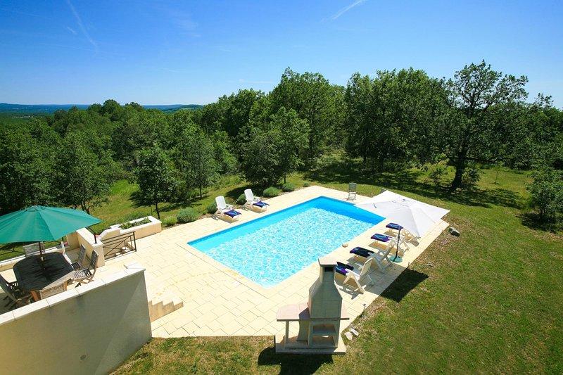 Mongoujou Villa Sleeps 8 with Pool and WiFi - 5604563, holiday rental in Cressensac