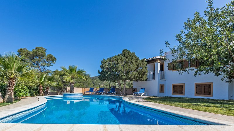 Cala Vadella Villa Sleeps 10 with Pool and WiFi - 5805608, holiday rental in Cala Carbo
