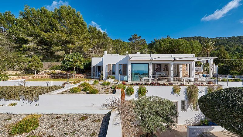 San Agustin des Vedra Villa Sleeps 12 with Pool Air Con and WiFi - 5805503, holiday rental in Port d'es Torrent