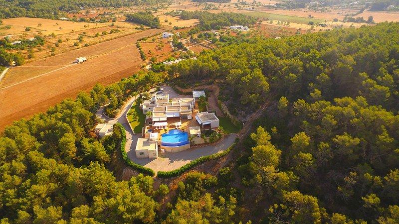 Santa Gertrudis Villa Sleeps 12 with Pool Air Con and WiFi - 5805549, vacation rental in Santa Gertrudis