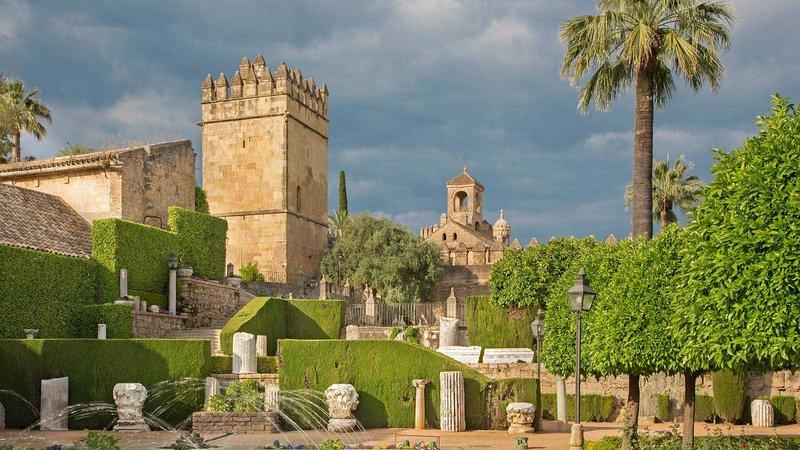 Place of interest: Alcazar de los Reyes Cristianos.