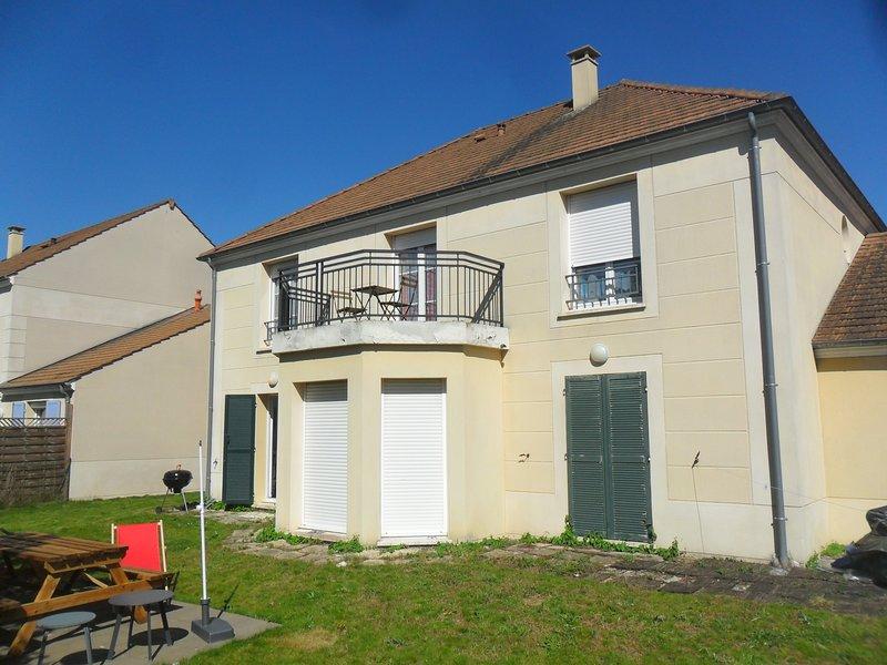 Maison proche de Disney Land, holiday rental in Ozoir-la-Ferriere