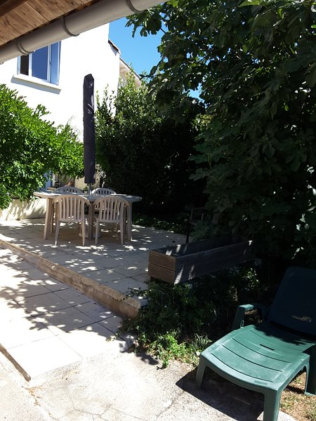 Beautiful house with garden & Wifi, holiday rental in Puilboreau