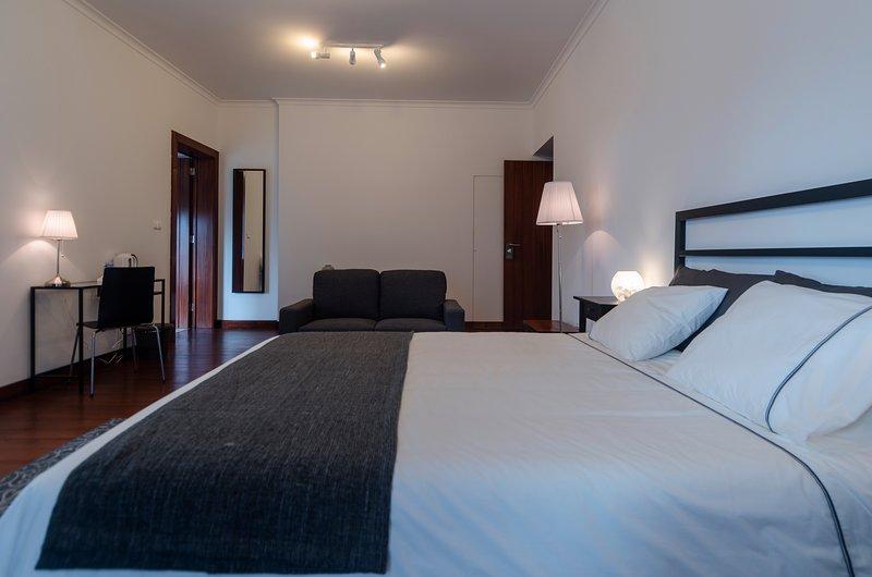 Solar das Araucárias B&B - Balcony Suite, vacation rental in Agua de Pau