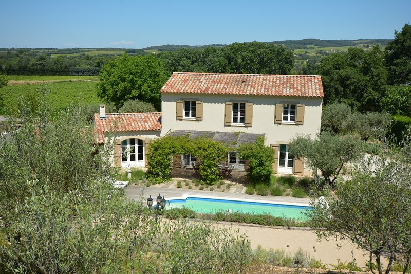 Villa in Provence near Mont Ventoux with heated pool,4 bedrooms and lovely views, holiday rental in Saint-Roman-de-Malegarde
