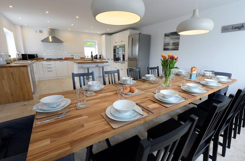 Luxury Six-Bedroom Cottage, Spectacular Sea Views, Verandah, Wifi, Parking, vacation rental in Saundersfoot