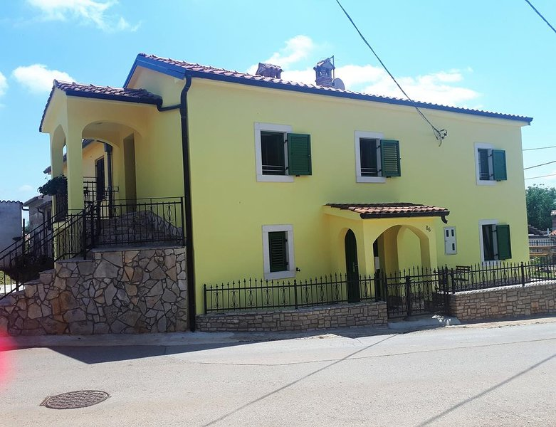 One bedroom apartment Kaštelir, Central Istria - Središnja Istra (A-17528-b), location de vacances à Baldasi