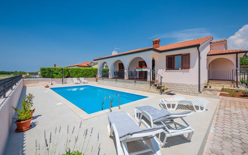 Villa Giulia, location de vacances à Fuskulin